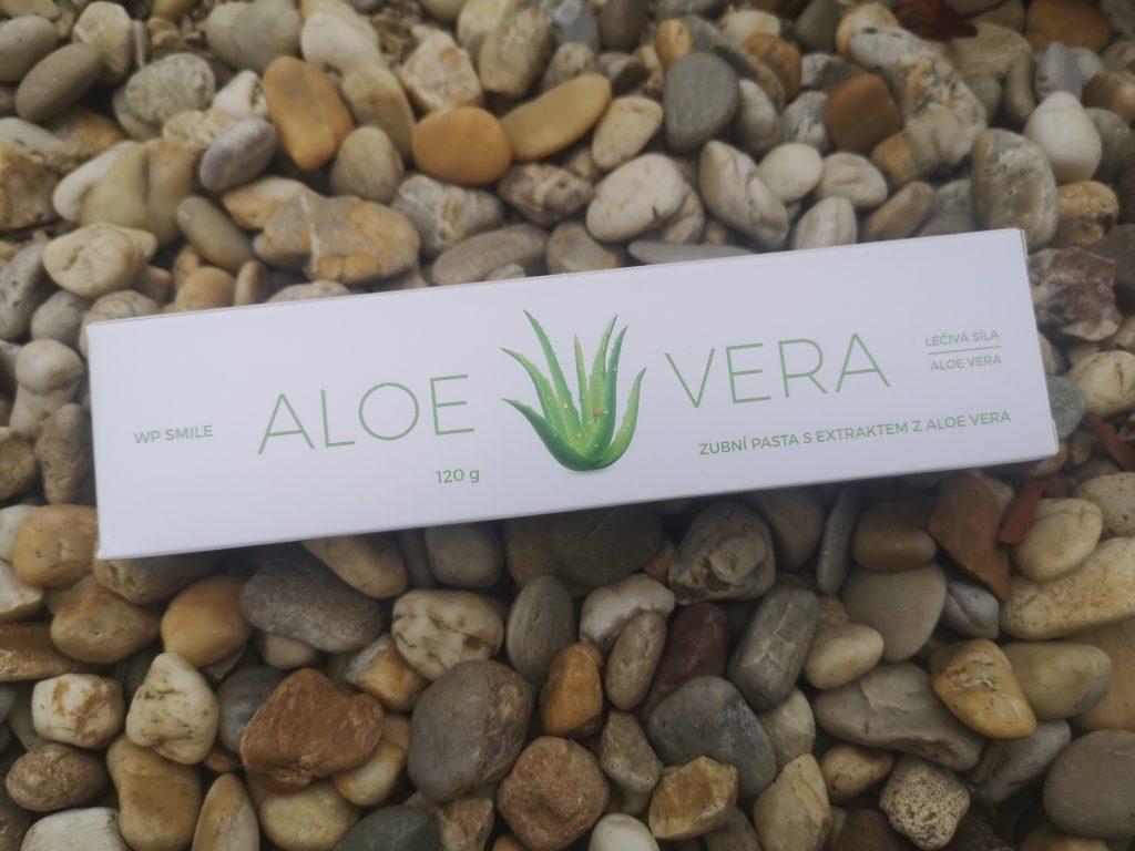 White Pearl Aloe Vera zubná pasta